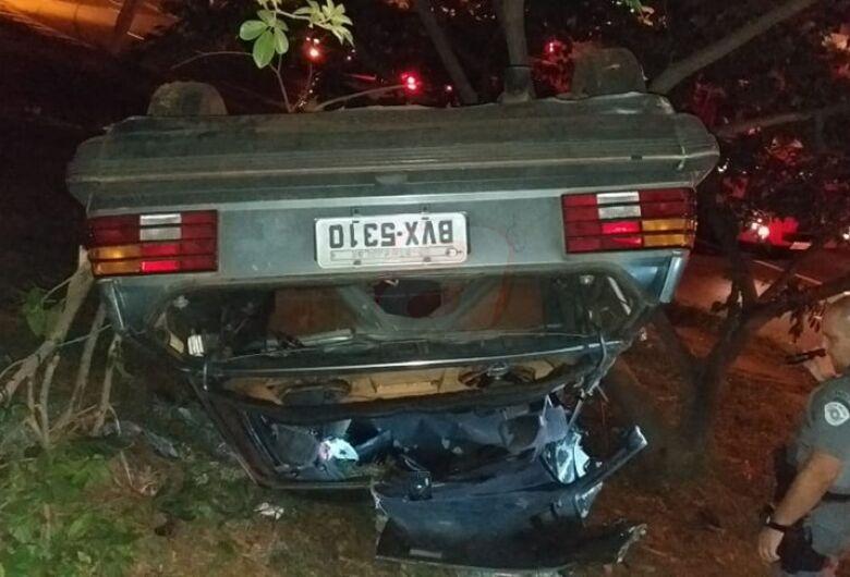 Grave acidente deixa quatro feridos na rotatória do Cristo