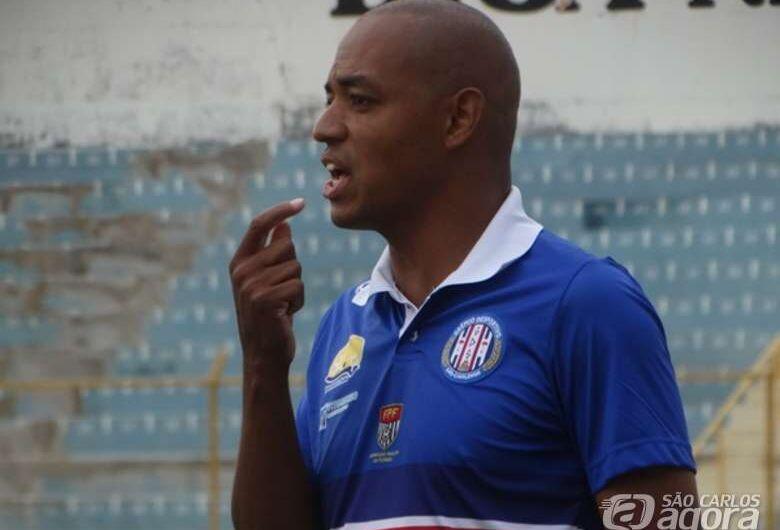 Com gols de Wesley e Rodolfo, Grêmio supera primeiro obstáculo e bate Matonense