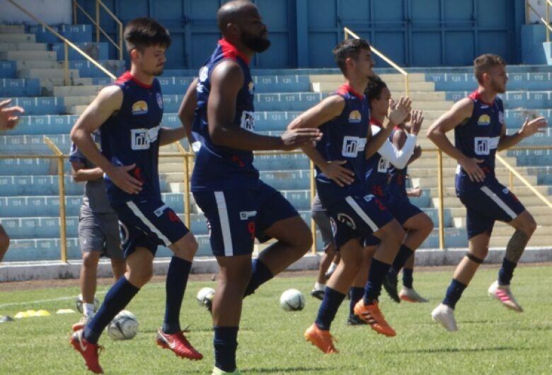 Após dolorida derrota, Grêmio busca a reabilitação na Série B