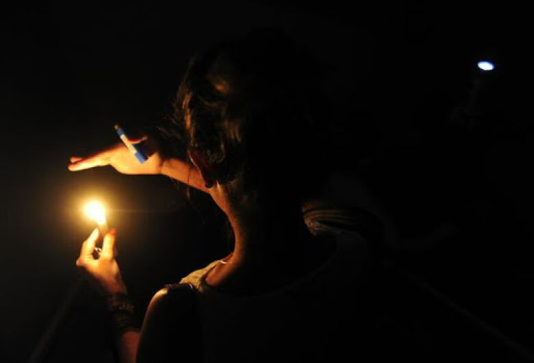 Moradores do Santa Angelina, Santa Felícia e Planalto Paraíso passam a noite sem energia elétrica