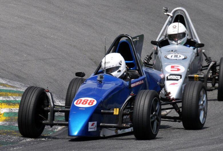 Piloto de São Carlos chega em segundo e vai decidir o título da Fórmula Vee em Interlagos