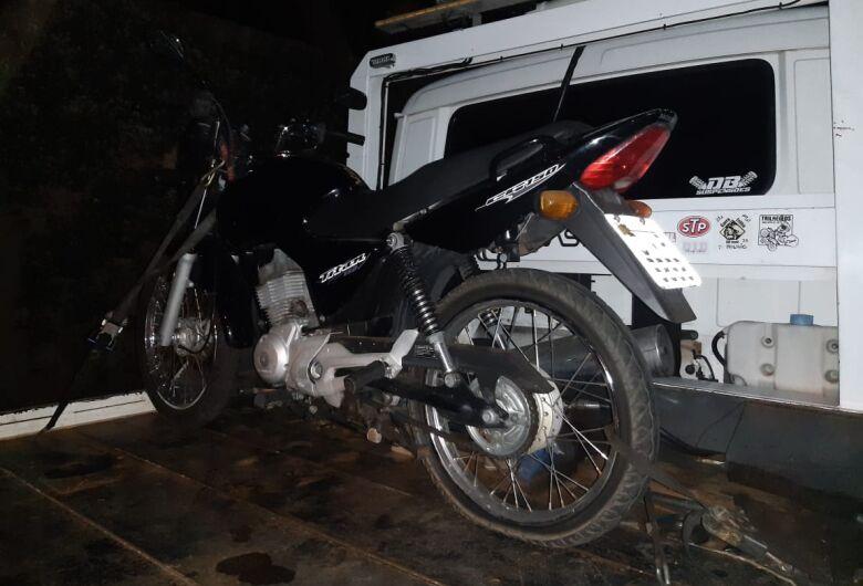 Força Tática flagra dupla com moto roubada no Cidade Aracy
