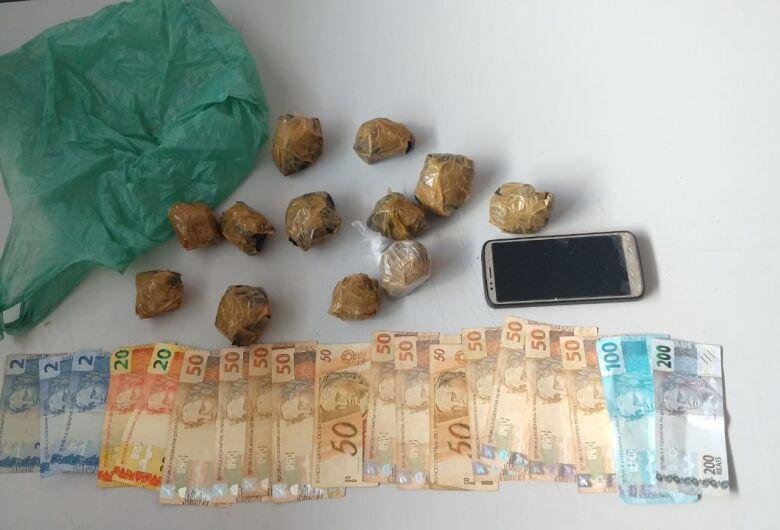Motociclista é preso após ser flagrado com drogas no assentamento dos sem-terra