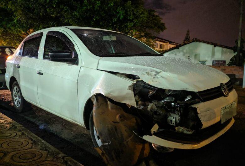 Jovem que roubou carro e abusou da vítima é detido após envolver-se em acidente de trânsito