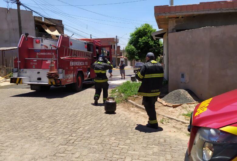 Incêndio causa danos em cozinha de residência no São Carlos 8