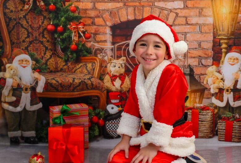Estúdio Baby inaugura em Ibaté com três cenários exclusivos de Natal e um de Ano Novo
