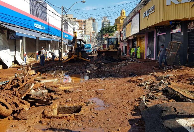 Após enchente, Prefeitura decreta estado de emergência