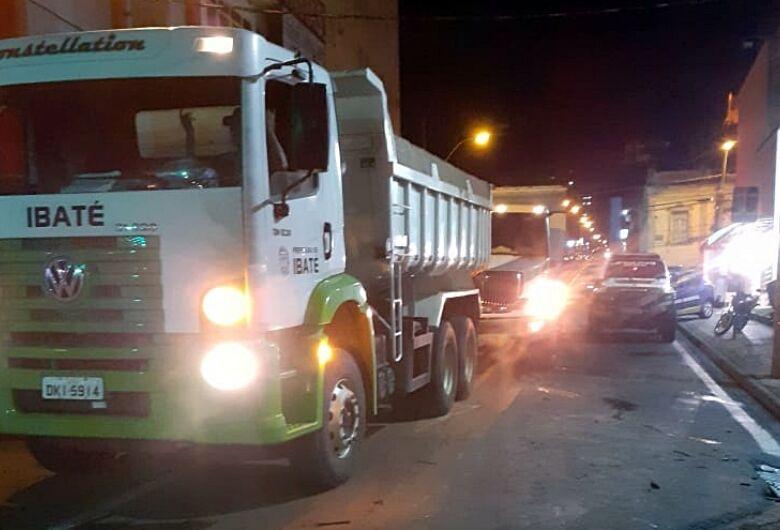 Zé Parella envia caminhões e guardas municipais para São Carlos