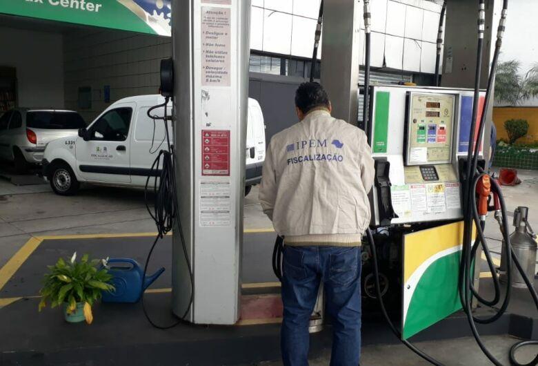 Ipem-SP orienta sobre os cuidados na hora do abastecimento de veículos