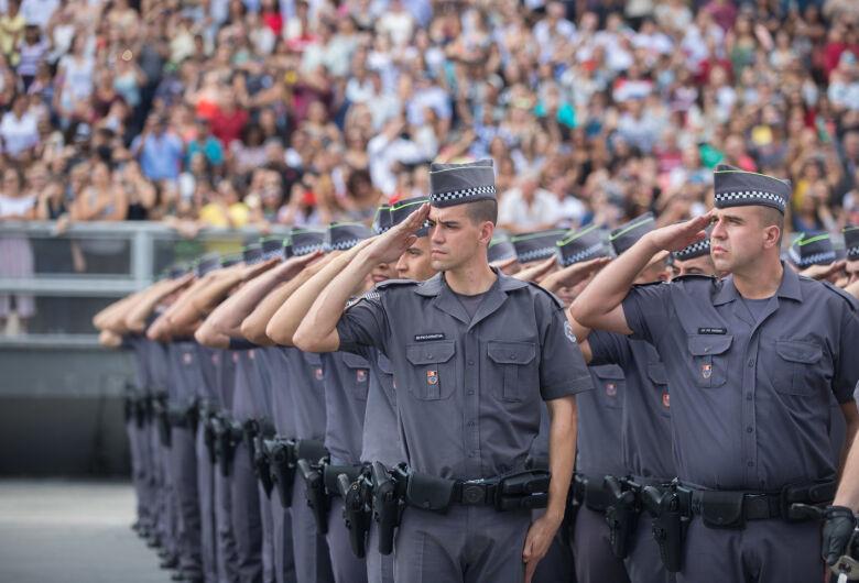 Governo do Estado anuncia a contratação de 5,8 mil policiais militares e civis