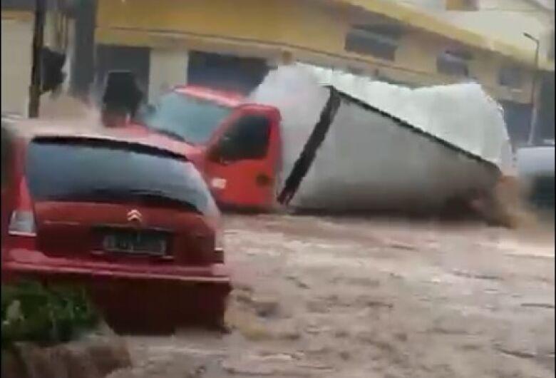 Com ajuda do SCA, caminhoneiro atingido pela enchente é localizado em São Carlos