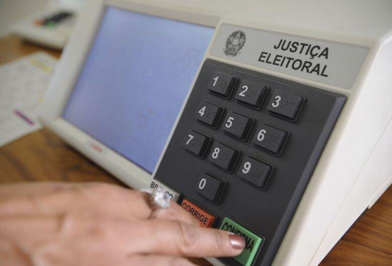 Problema no sistema do TSE atrasa divulgação da contagem dos votos