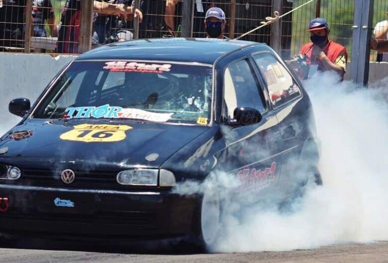 São-carlense participa de competição que reúne os carros mais rápidos do Brasil