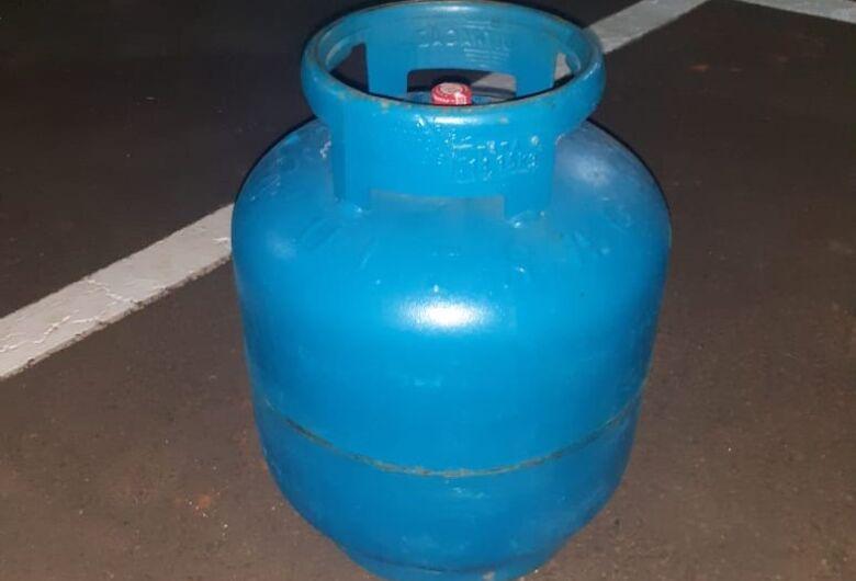 Acusado de furtar botijão de gás, ladrão é detido pela GM