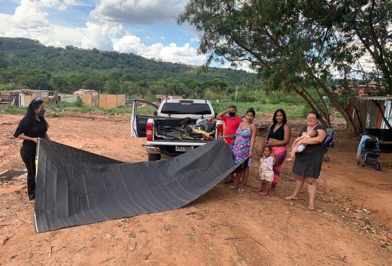 Leite Sem Fronteiras 'abraça' e atende desabrigados pela enchente em São Carlos