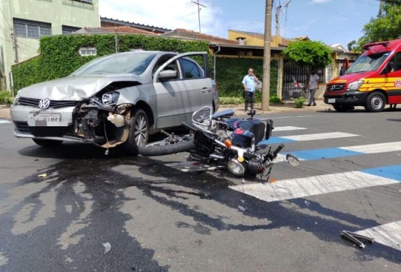 Colisão frontal deixa motociclista ferido no Jardim Paulistano