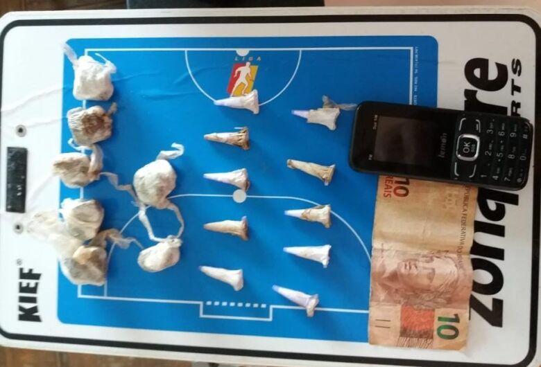 Homem é detido com entorpecentes em complexo esportivo no Santa Felícia