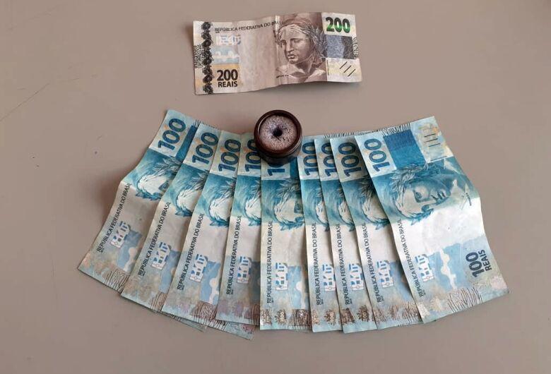 Jovens compram notas falsas em São Carlos e são presos em Motuca