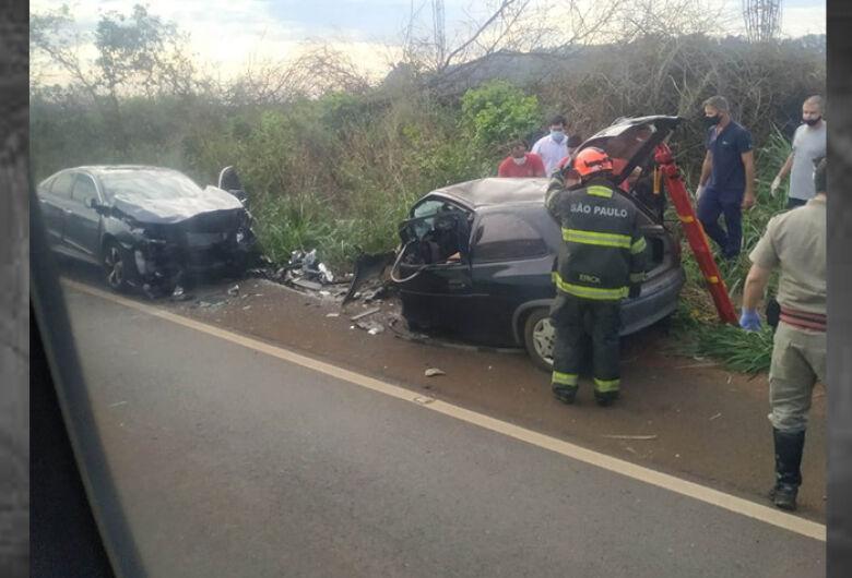 Mãe e filha morrem em acidente na região