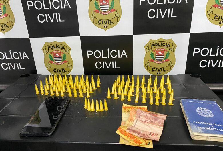 Após denúncia via whatsapp, DISE prende acusado de tráfico no Jardim dos Coqueiros