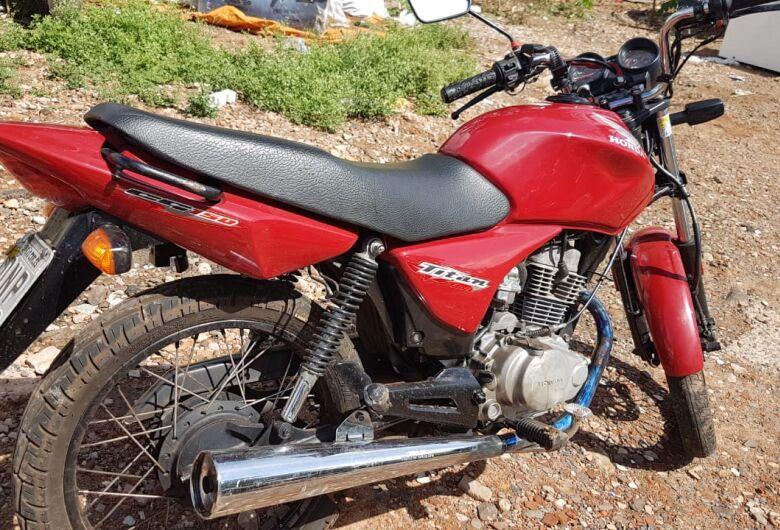 Polícia Militar apreende moto furtada e detém suspeito