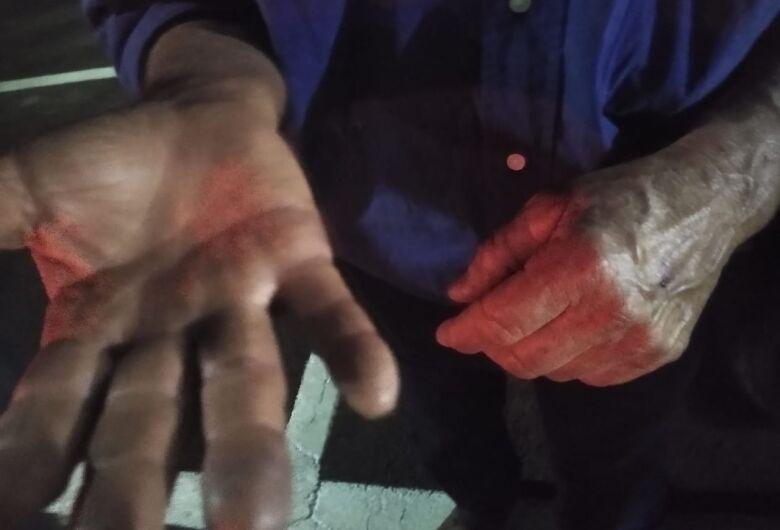 Idoso é agredido com pedaço de pau no Bela Vista