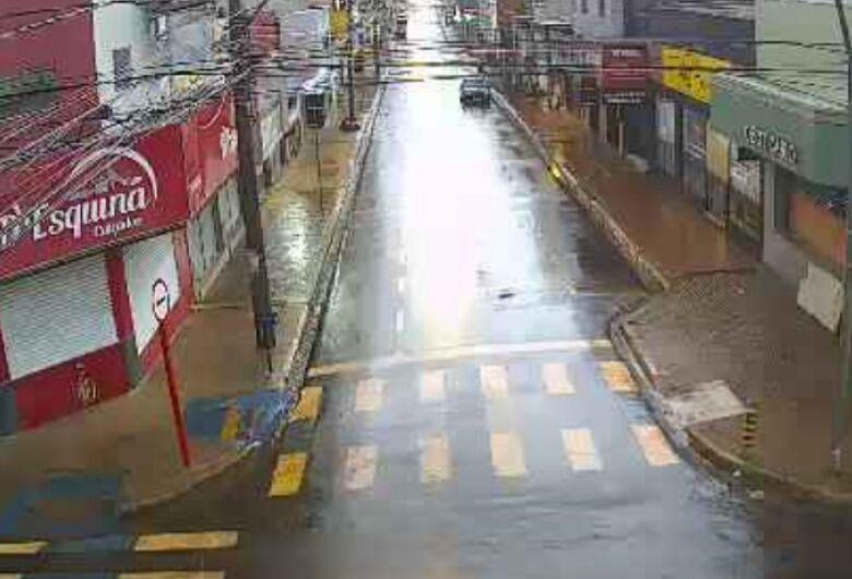 São Carlenses ficam apreensivos com possibilidade de nova enchente, mas chuva forte não causou mais prejuízos