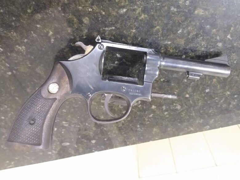 Arma apreendida pela PM - Crédito: Colaboradora/SCA