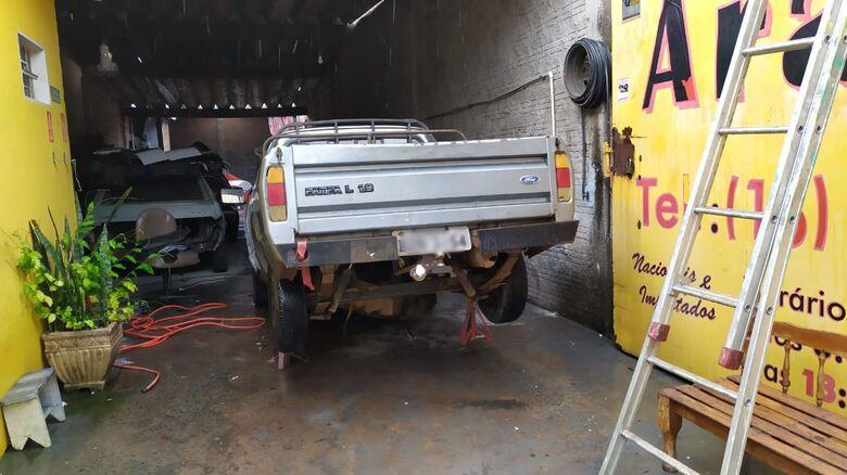 Tanque de combustíveis do carro explodiu durante a manutenção - Crédito: Maycon Maximino