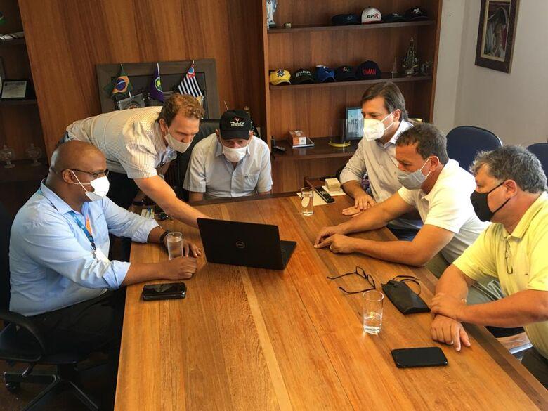 Membros da CPFL e Prefeitura se reuniram no paço municipal - Crédito: divulgação