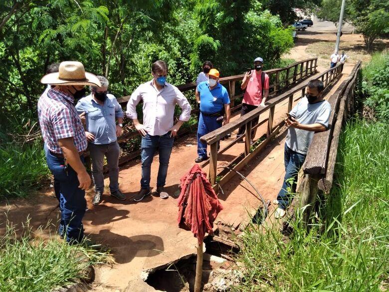 Vereador Bira cobra conserto de ponte no bairro Cidade Aracy - Crédito: divulgação