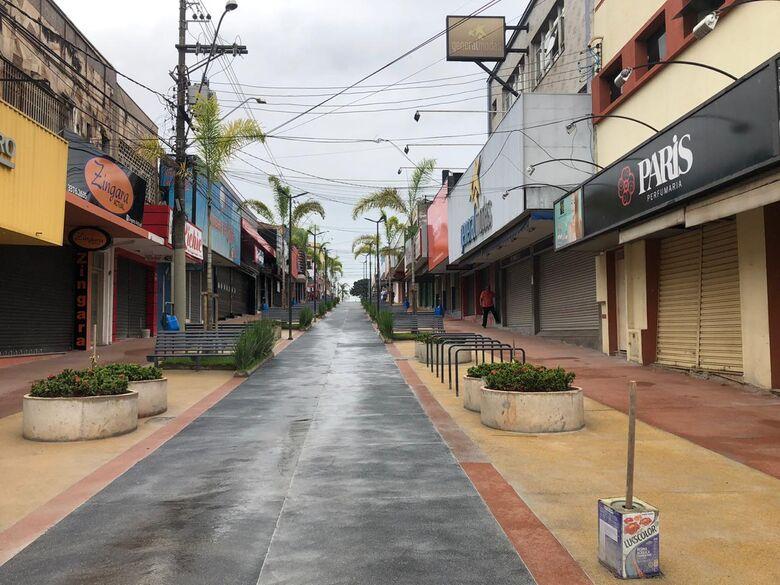 Calçadão da rua General Osório vazio durante a pandemia - Crédito: arquivo SCA