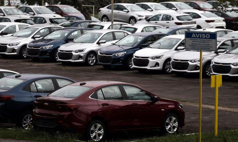 Licenciar o carro novo ficou caro - Crédito: Agência Brasil
