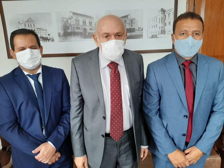 Presidente da Câmara Roselei Françoso recebe visita de Airton e Edson Ferraz - Crédito: Divulgação