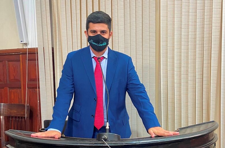 Bruno Zancheta na tribuna da Câmara: vereador presidirá Comissão de Direitos da Pessoa com Deficiência - Crédito: divulgação