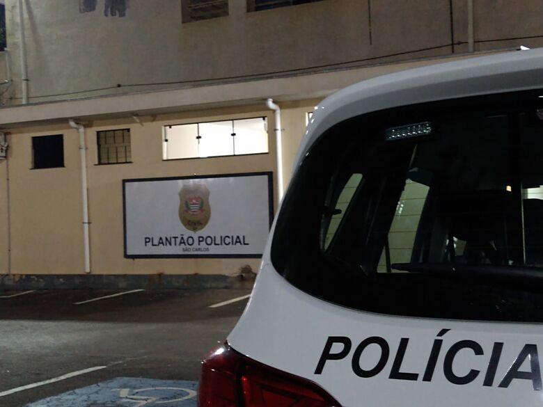 Homem é preso após agredir companheira no São Carlos 5 -