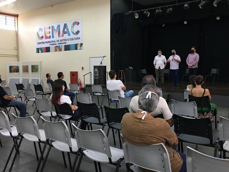 Vice-prefeito Edson Ferraz apresenta novo secretário para equipe de Cultura - Crédito: Divulgação