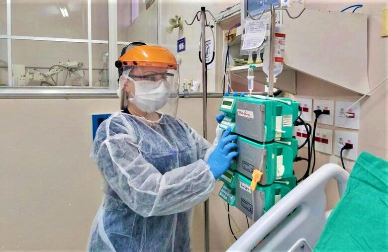 Hospitais públicos e particulares estão sobrecarregados - Crédito: Divulgação