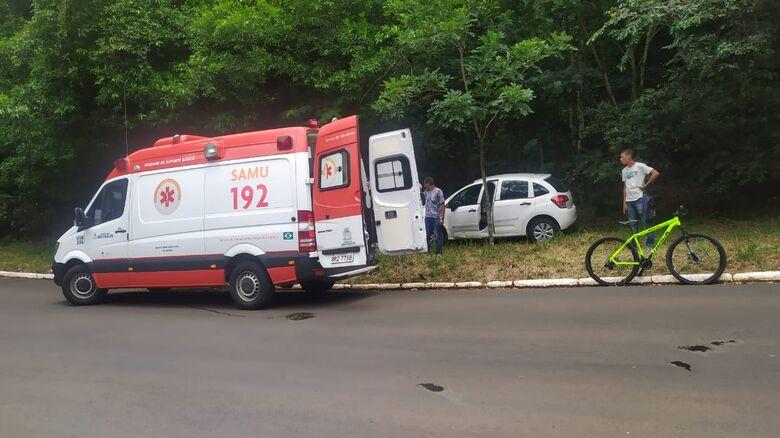 Samu foi ao local e ciclista negou atendimento médico: sofreu escoriações - Crédito: Maycon Maximino