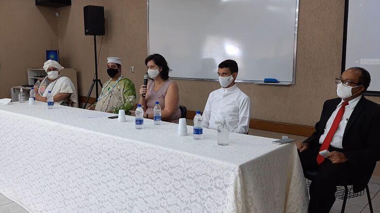 Com transmissão online, foram reunidos para o ato líderes religiosos de quatro denominações da cidade - Crédito: Divulgação