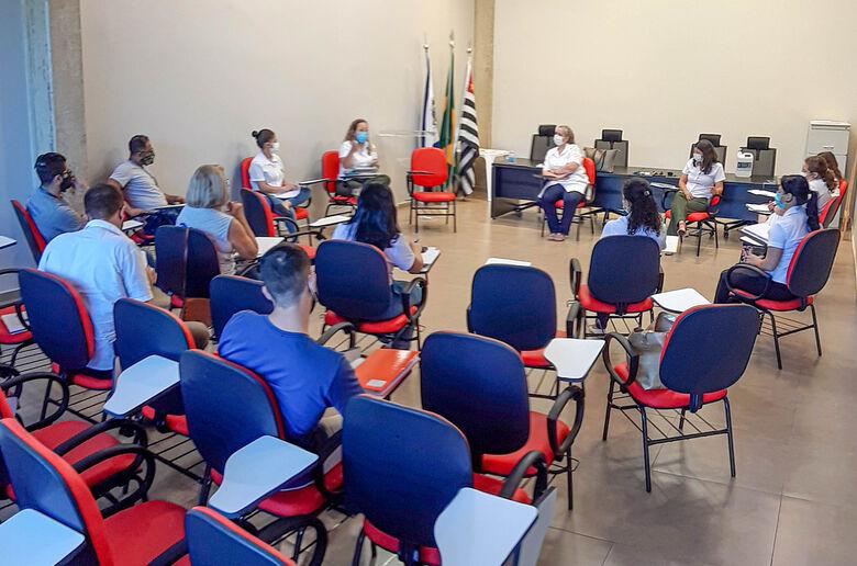 Objetivo do encontro foi articular e organizar o fluxo de atendimento que será adotado pelo município - Crédito: Divulgação/PMI