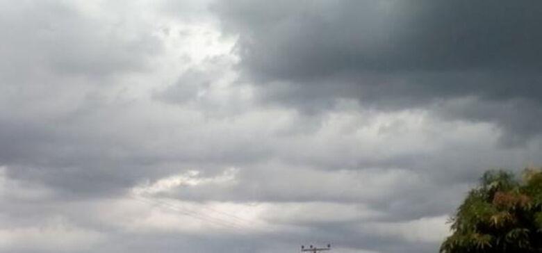 Fim de semana deve ser de tempo nublado e com pancadas de chuva - Crédito: divulgação