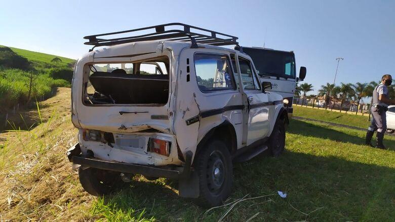 Carro ficou com danos de grande monta na traseira - Crédito: Maycon Maximino
