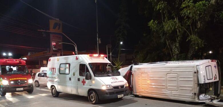 Paciente com Covid morreu após acidente com ambulância no interior de SP - Crédito: divulgação