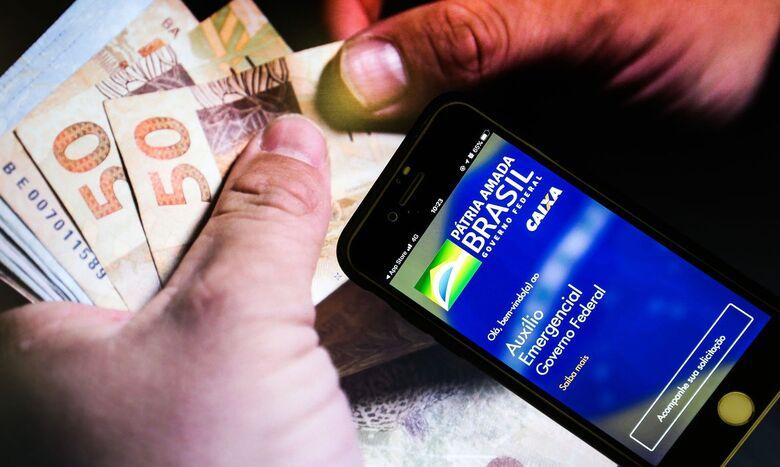 Pagamento do novo auxílio emergencial começa na próxima terça-feira - Crédito: Agência Brasil