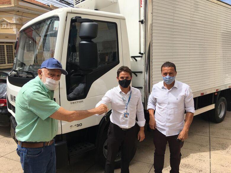 Secretaria de Agricultura e Abastecimento adquire caminhão baú refrigerado - Crédito: divulgação