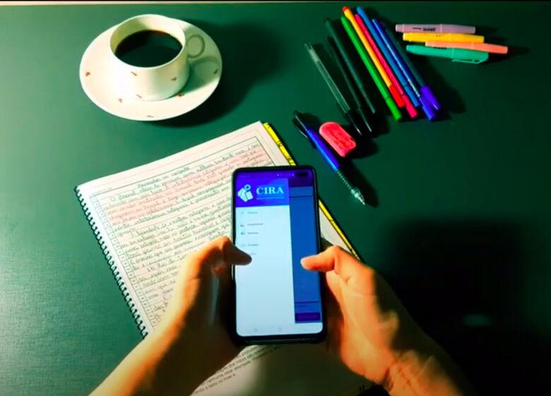 Para criar a ferramenta, que recebeu o nome de Corretor Inteligente de Redações Automático (CIRA), o estudante Gabriel Nogueira empregou técnicas da área de inteligência artificial - Crédito: Divulgação IFSC