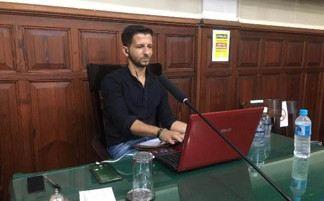 Vereador Elton: Proposta para que serviços públicos possam ser acessados por smartphones e computadores - Crédito: Divulgação