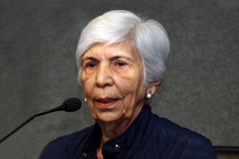 Em sua carreira, Yvonne supervisionou cerca de 40 estudantes de mestrado e doutorado, publicou aproximadamente 200 artigos indexados e produziu numerosas contribuições em conferências e simpósios - Crédito: Divulgação