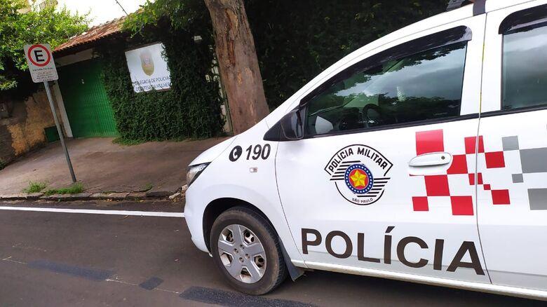 Homem é preso após agredir ex-mulher em Ibaté -